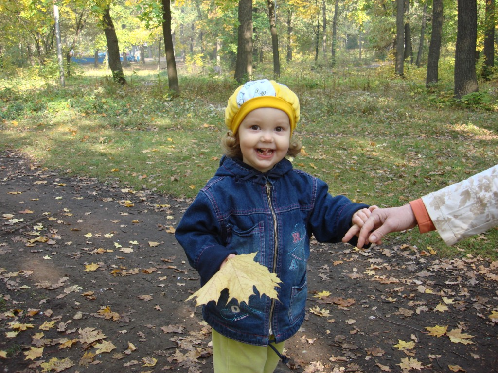 Внучка Аня - второй год